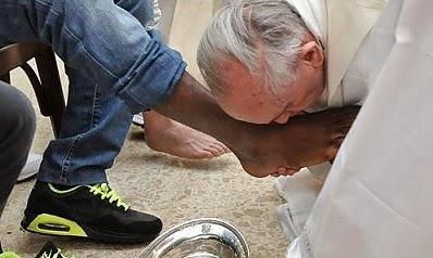 papa-lavanda-dei-piedi